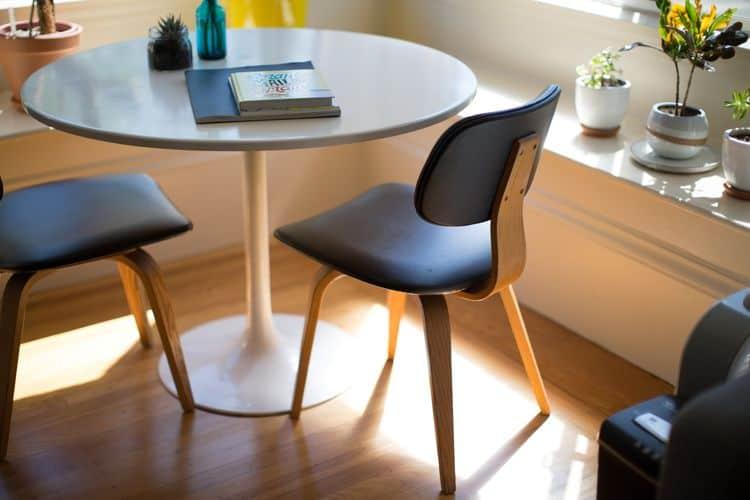 חנות רהיטים אורטופדים בחולון (צילום: pixabay)