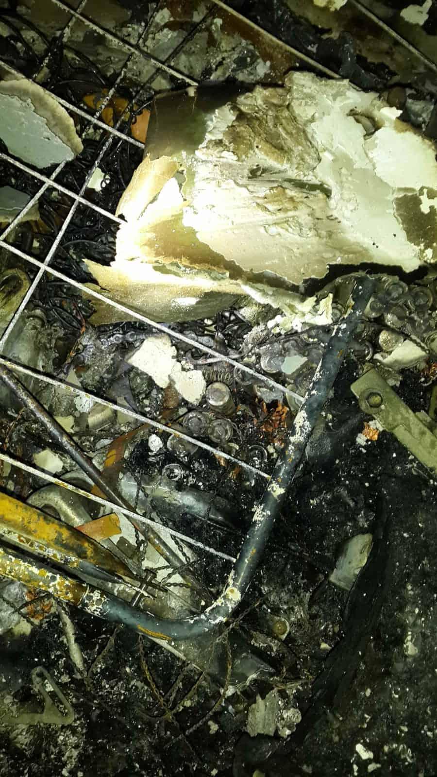 רק במזל לא היו נפגעים בנפש, צילום: באדיבות דוברות לוחמי אש חולון