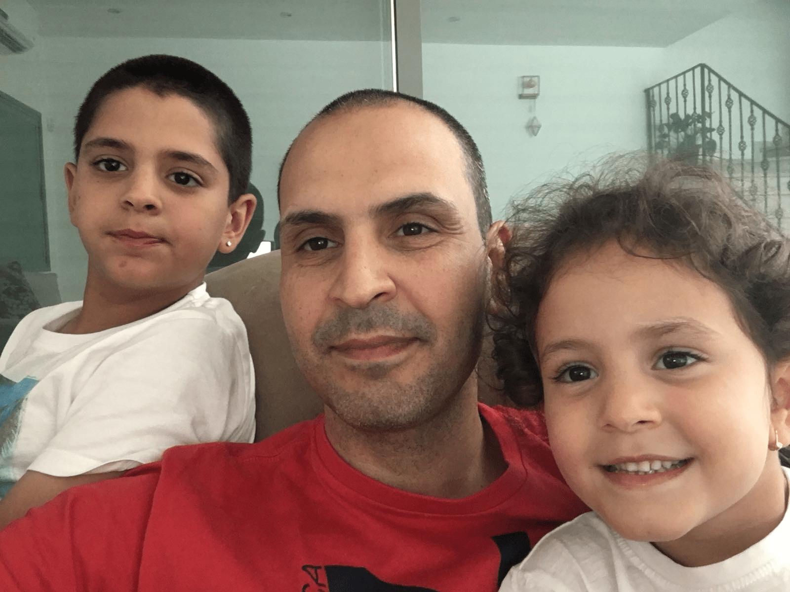 ארז אבו והילדים, צילום: פרטי